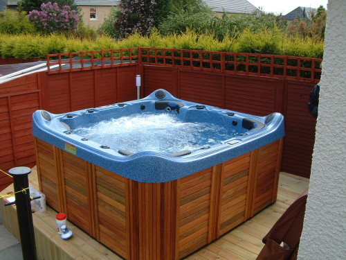 7 Tips For Buying Perfect Hot Tubs