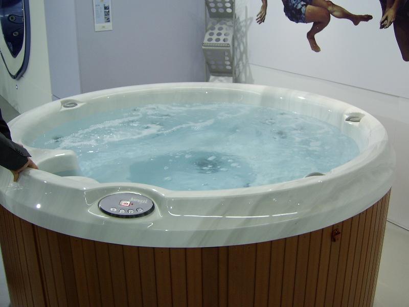 Jacuzzi Tubs: Hot Tubs Jacuzzi Uk